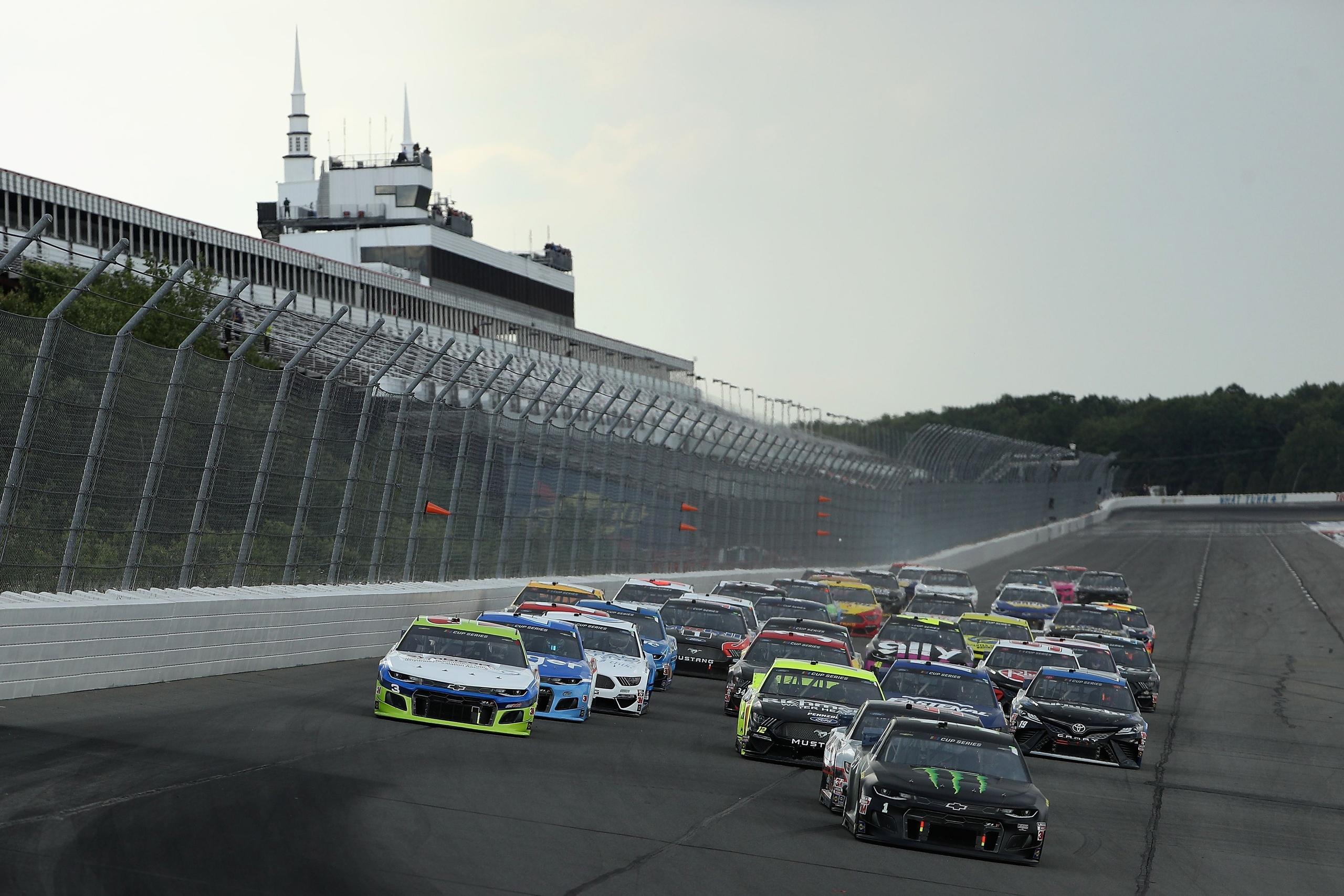NASCAR: Kimatekozták a poconói duplaforduló szombati futamának rajtrácsát