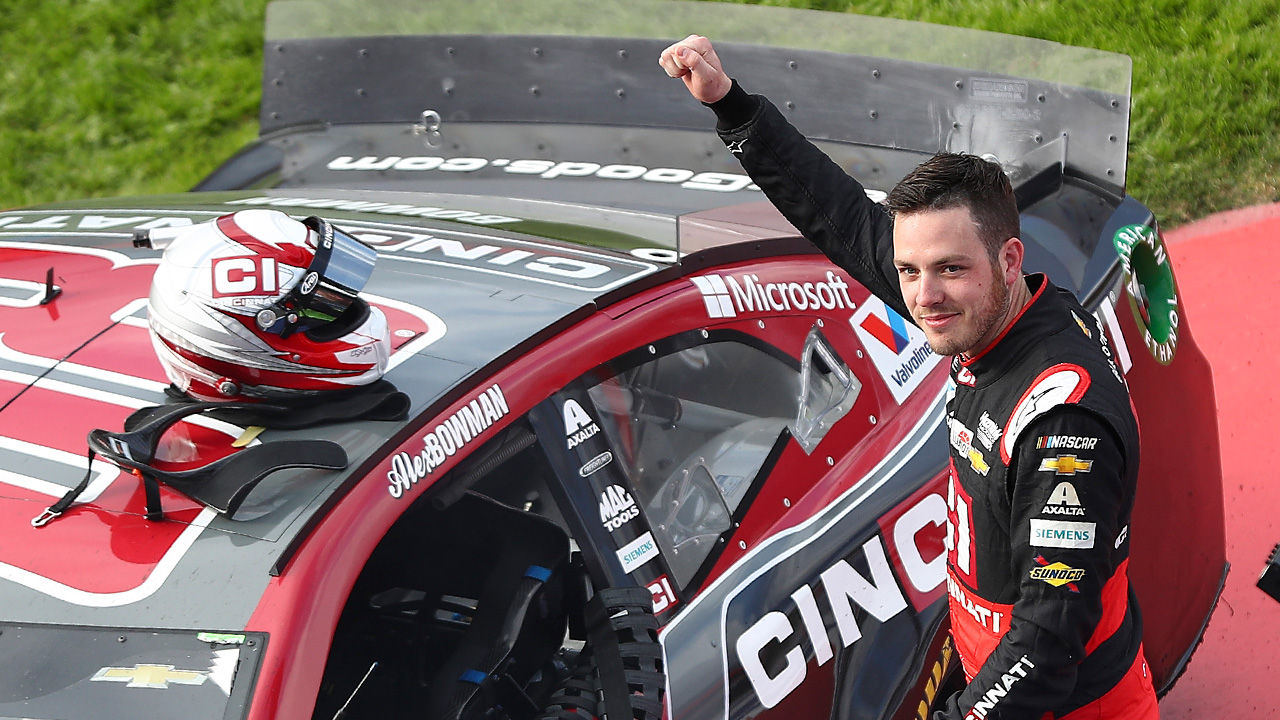 NASCAR: Alex Bowman váltja Jimmie Johnsont a 48-as Chevyben