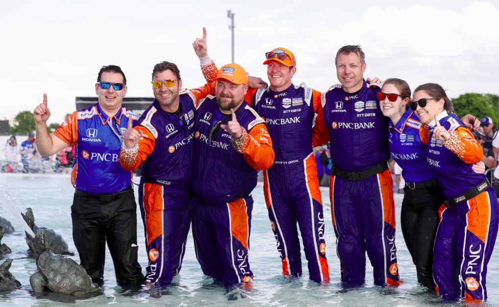 Scott Dixon győzelmét hozta az IndyCar detroiti flúgos futama