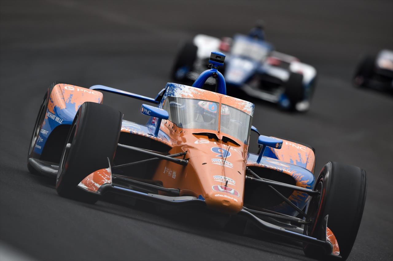 Indy 500 – 2. nap: Dixon az élen, egyre nagyobb bajban a Top Gun Racing