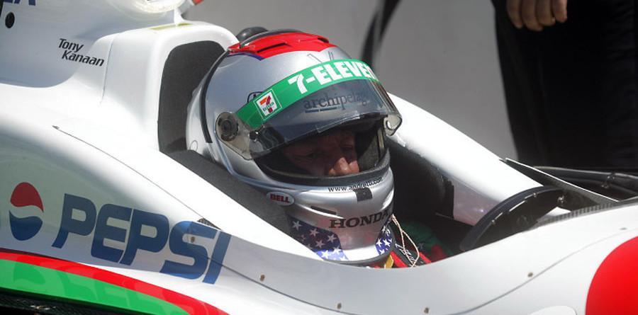 Horrorbalesettel búcsúztatta Mario Andretti karrierjét az IMS