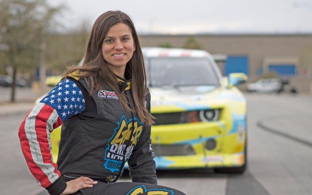 Újabb hölgyversenyző ejtheti meg NASCAR-debütálását