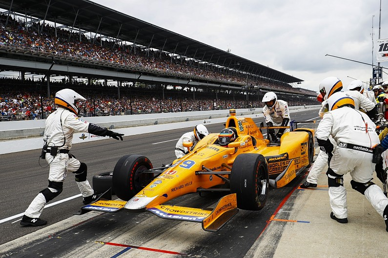 Ráfekszik az amerikai piacra a McLaren