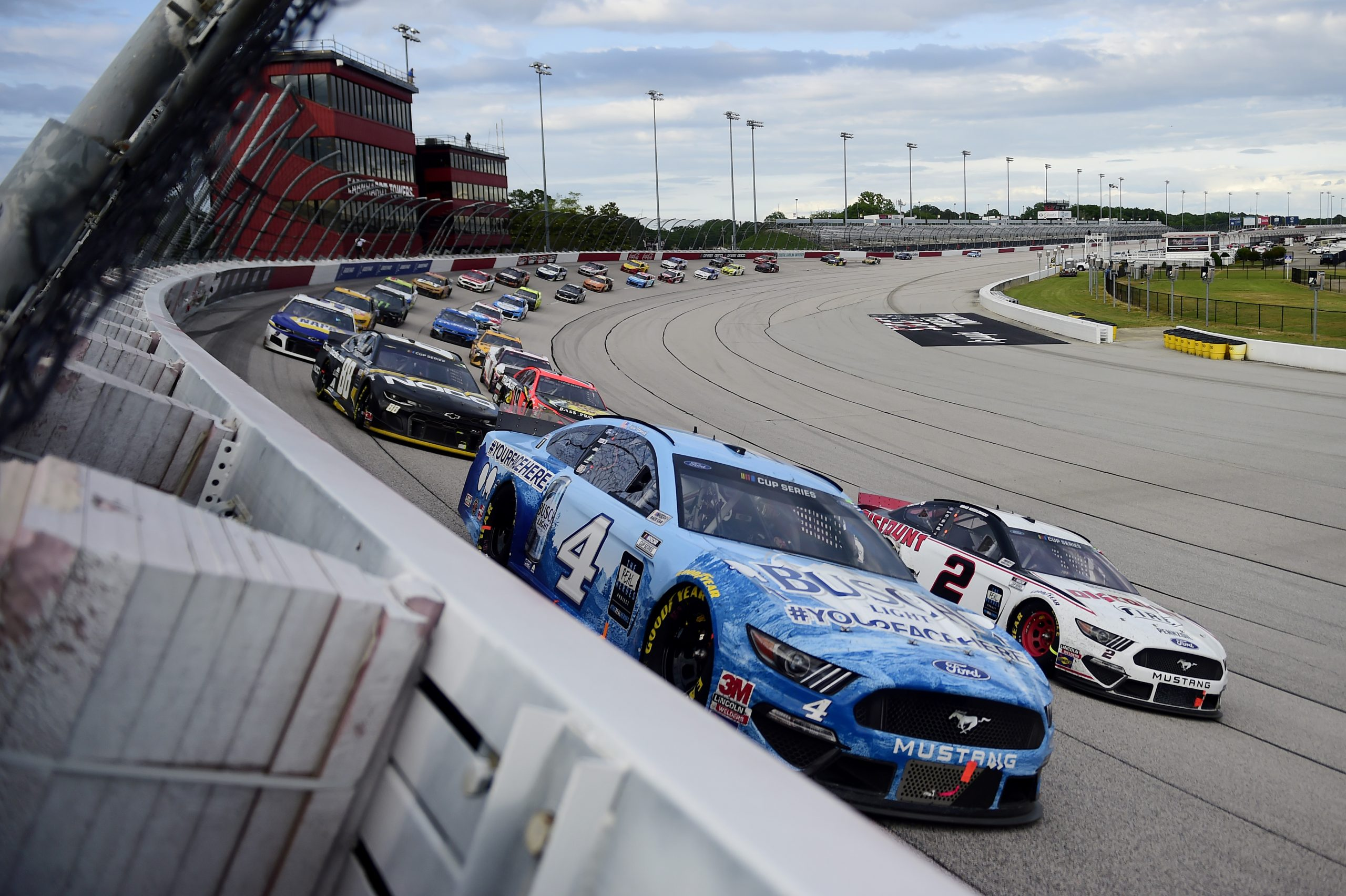 A NASCAR jelentősen lazít a maszkviselési szabályokon