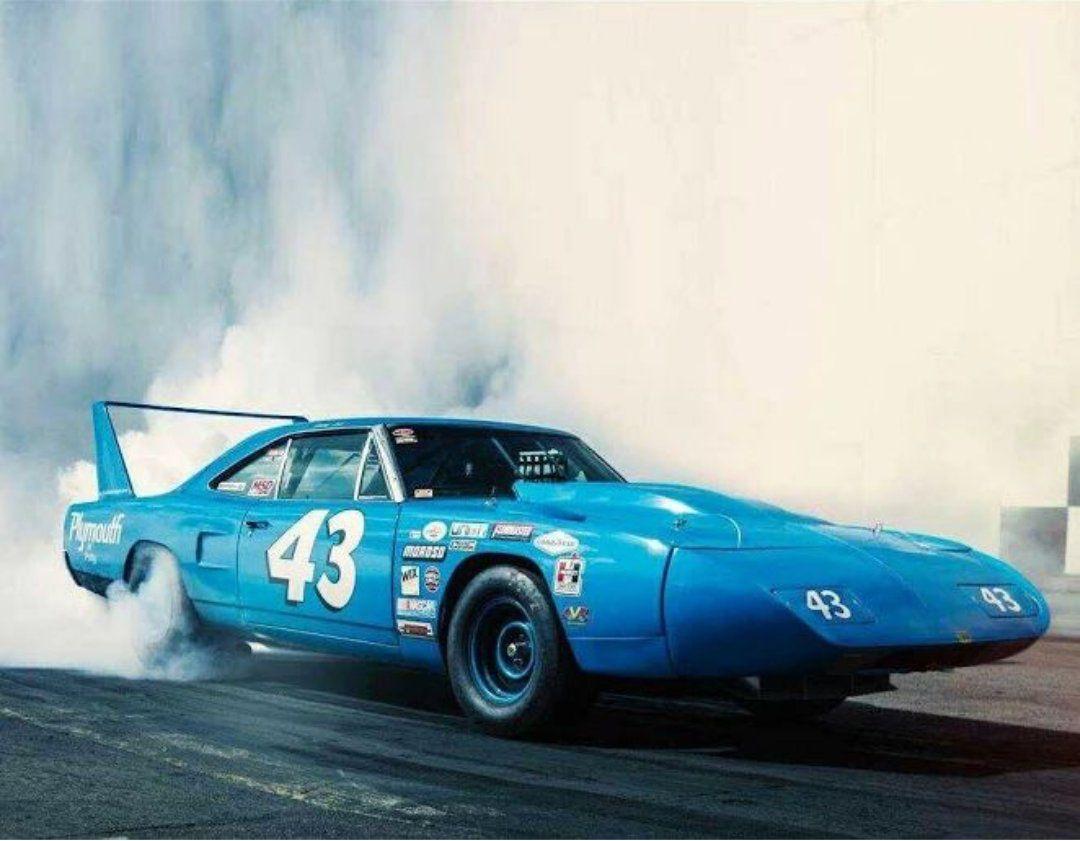 Amikor a NASCAR-autóknak szárnyaik nőttek