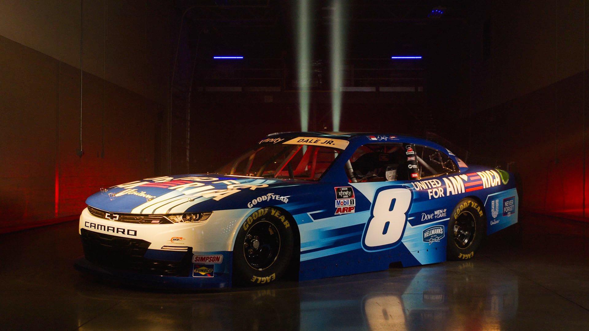 NASCAR: A 9/11-es terrortámadás évfordulóján tér vissza a pályára Dale Jr.
