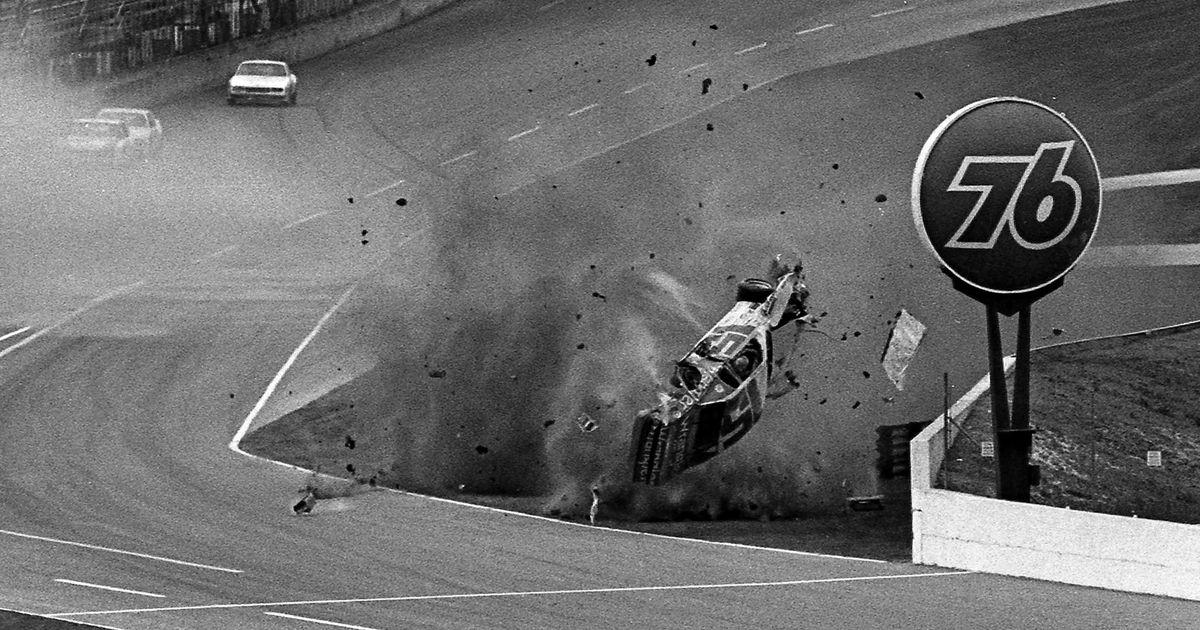 Ragasztószalag és szemfedő - A NASCAR történetének legkeményebb versenyzői