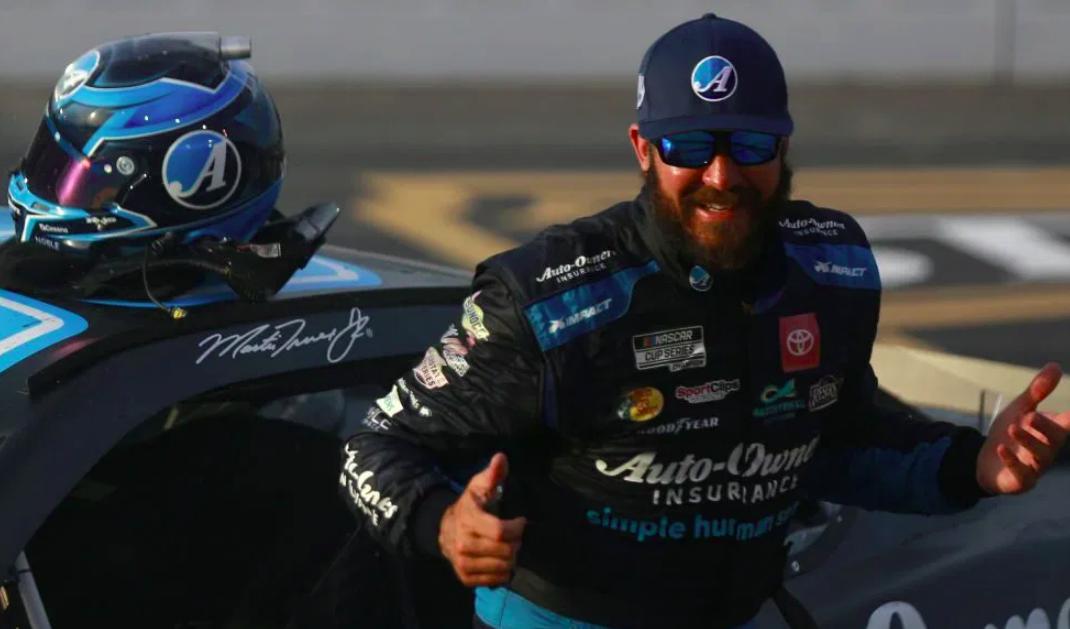 NASCAR: Truex Jr. nem megszelídítette, hanem egyenesen leigázta Darlingtont