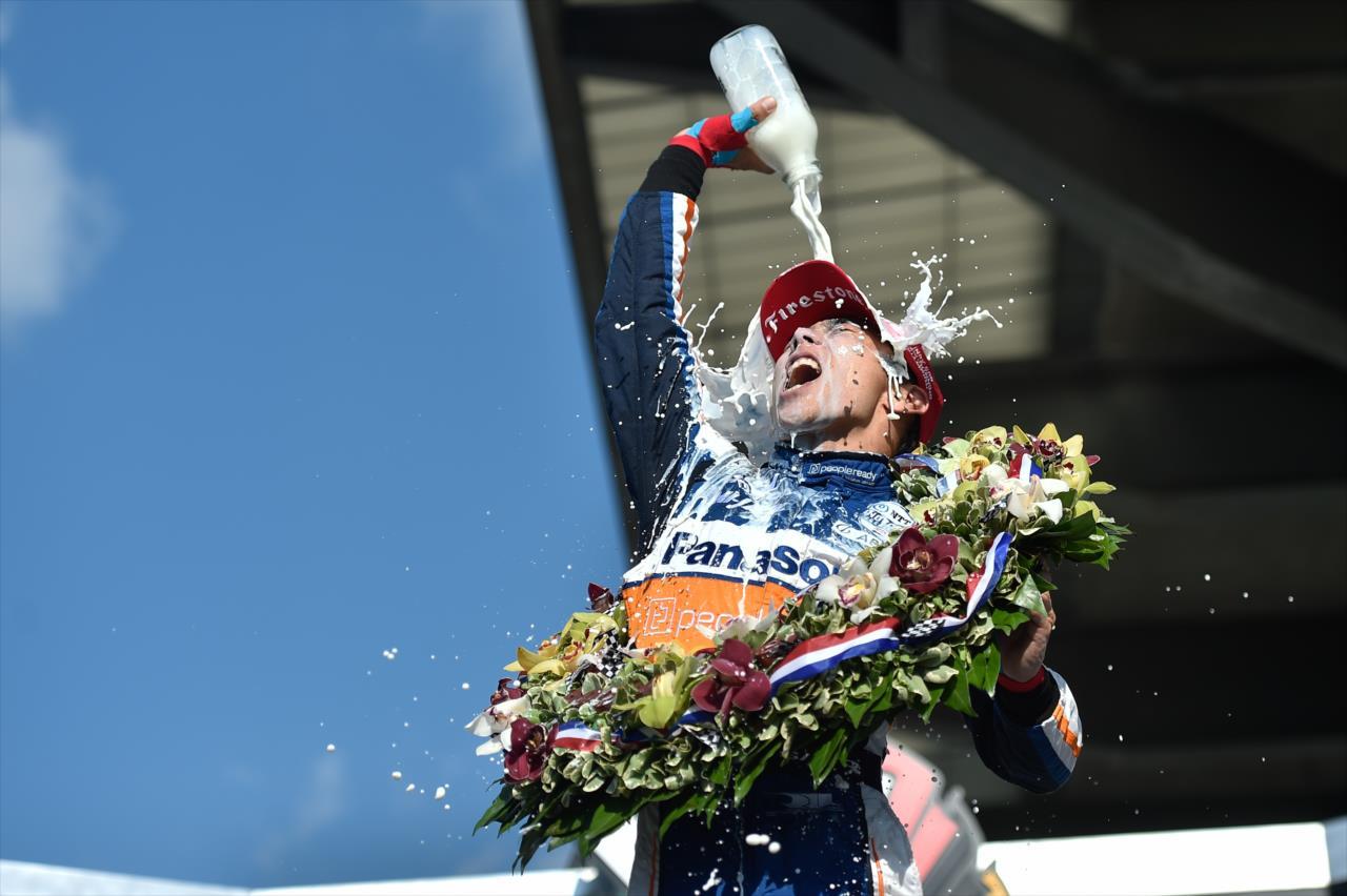 Takuma Sato győzelmével zárult a 104. Indianapolis 500