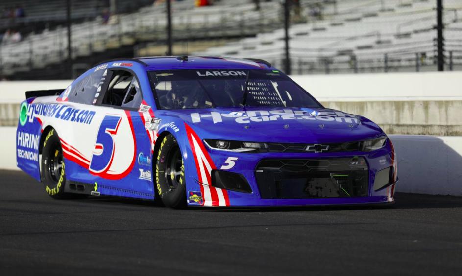 NASCAR: Kyle Larsoné a pole Michiganban