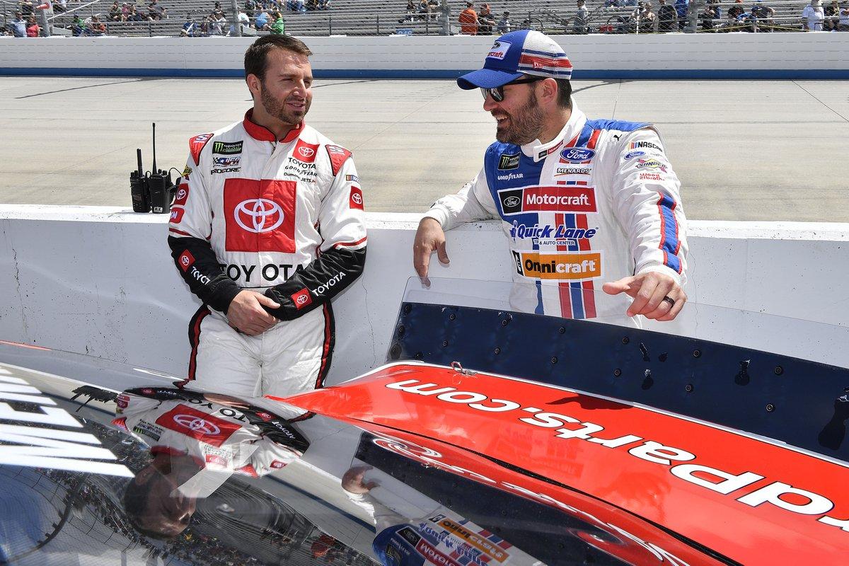Visszavonul a NASCAR két lábon járó mémje