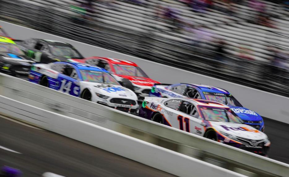 NASCAR-témájú romantikus komédiát készít Will Smith és a The Chainsmokers