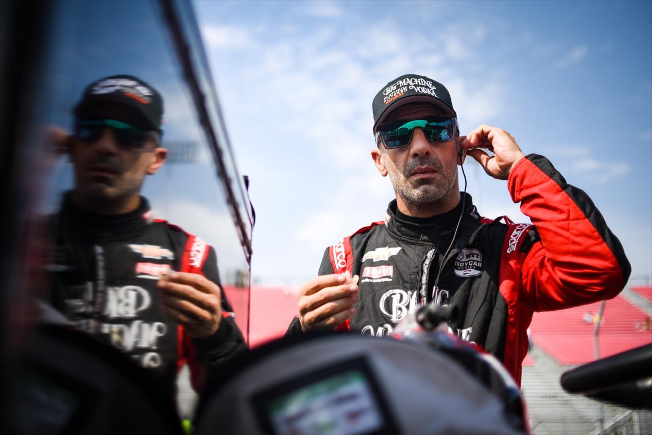 IndyCar: 2021-ben is versenyezni fog Tony Kanaan