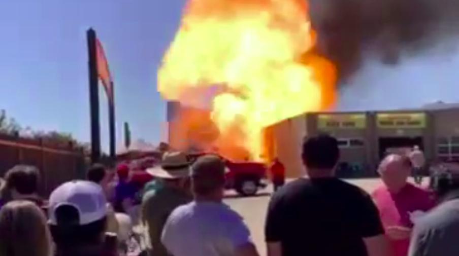 Robbanás történt a Texas Motor Speedwayen (VIDEÓ)