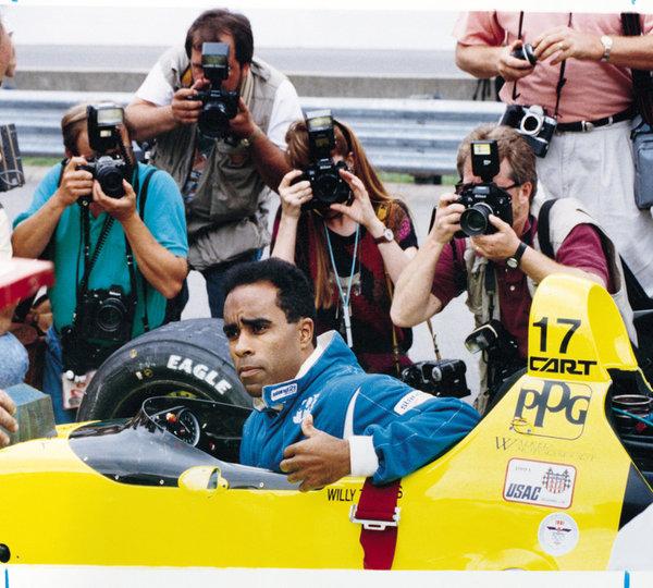A versenyző, aki szerint a NASCAR olyan, mint az al-Kaida