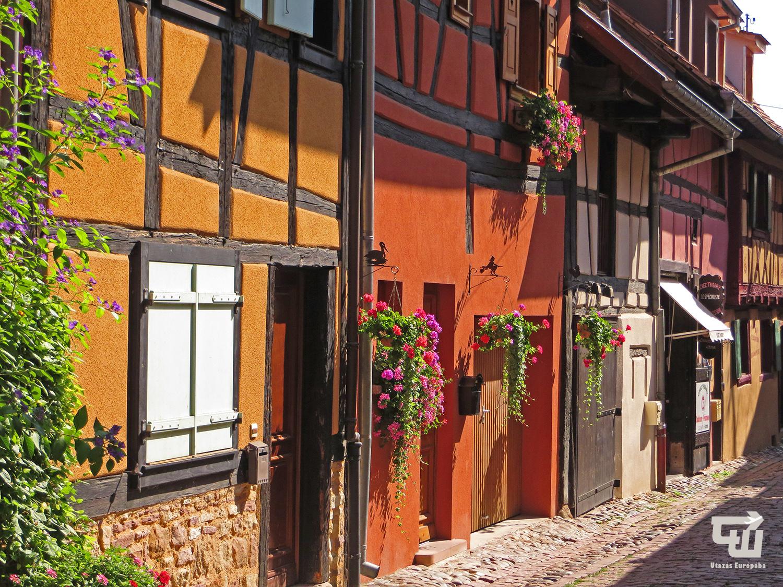 03_utazas_europaba_franciaorszag_france_elzasz_alsace_eguisheim_fachwerk.JPG