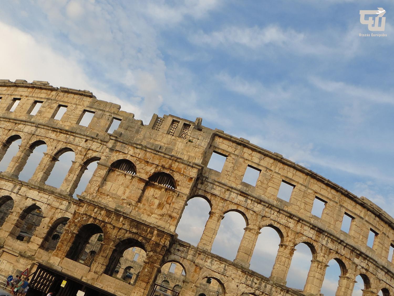 02a_02_amfiteatrum_arena_amfiteatar_pula_pola_isztria_istria_horvatorszag_croatia_croatien_hrvatska_utazas_europaba.jpg