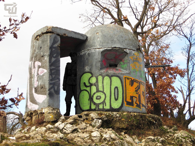 08_megfigyeloallas_bunker_fazekas-hegy_ii_vilaghaboru_world_war_ii_magyarorszag_hungary_ungarn_utazas_europaba.JPG