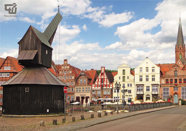 07_oreg_daru_alter_kran_stintmarkt_luneburg_hansestadt_fachwerk_nemetorszag_deutschland_germany_utazas_europaba.jpg