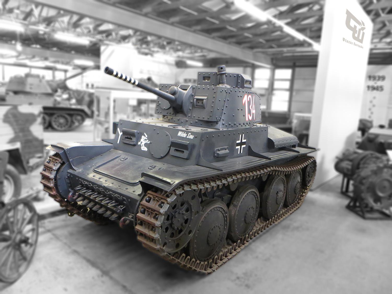 04_pzkpfw_ii_sdkfz_121_tank_panzerkampfwagen_ii_panzer_38_t_deutsches_panzermuseum_munster_nemetorszag_deutschland_germany_utazas_europaba.jpg