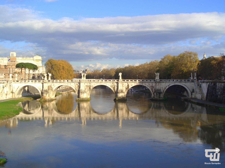 12_roma_rome_ponte_sant_angelo_olaszorszag_italy_italia_italien_utazas_europaba.JPG
