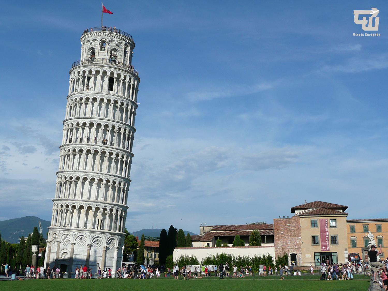 09_pisai_ferde_torony_toszkana_toscana_olaszorszag_italy_italia_utazas_europaba.jpg