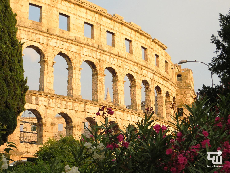04_amfiteatrum_arena_amfiteatar_pula_pola_isztria_istria_horvatorszag_croatia_croatien_hrvatska_utazas_europaba.jpg