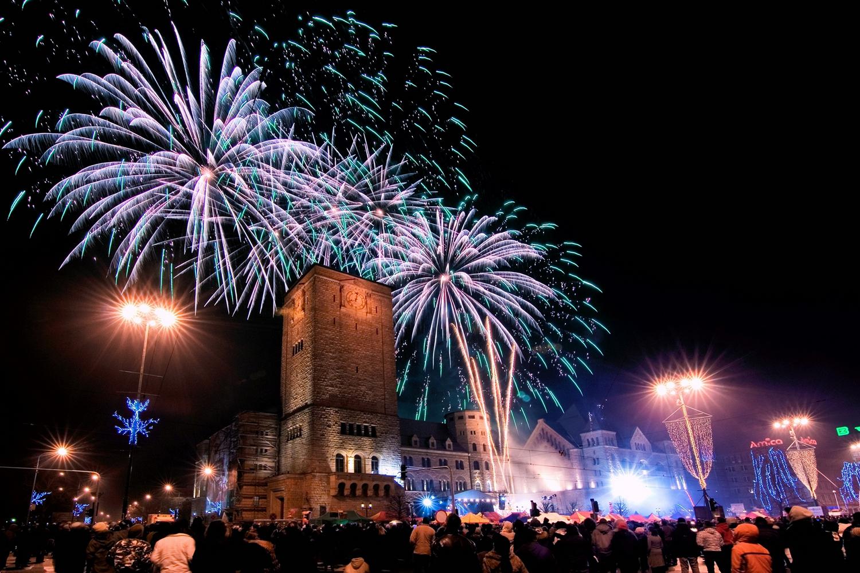 04_szilveszter_ujev_new_year_s_eve_tuzijatek_fireworks_poznan_lengyelorszag_poland_polska.jpg
