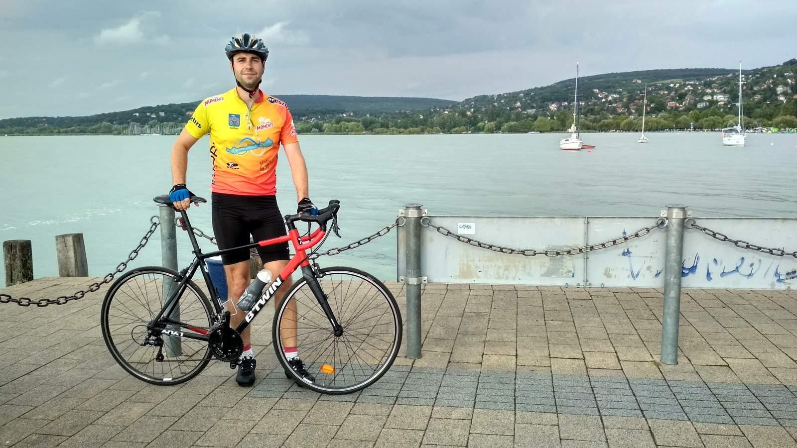 Én és az országúti kerékpárom
