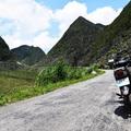 Motorral a vietnami hegyekben