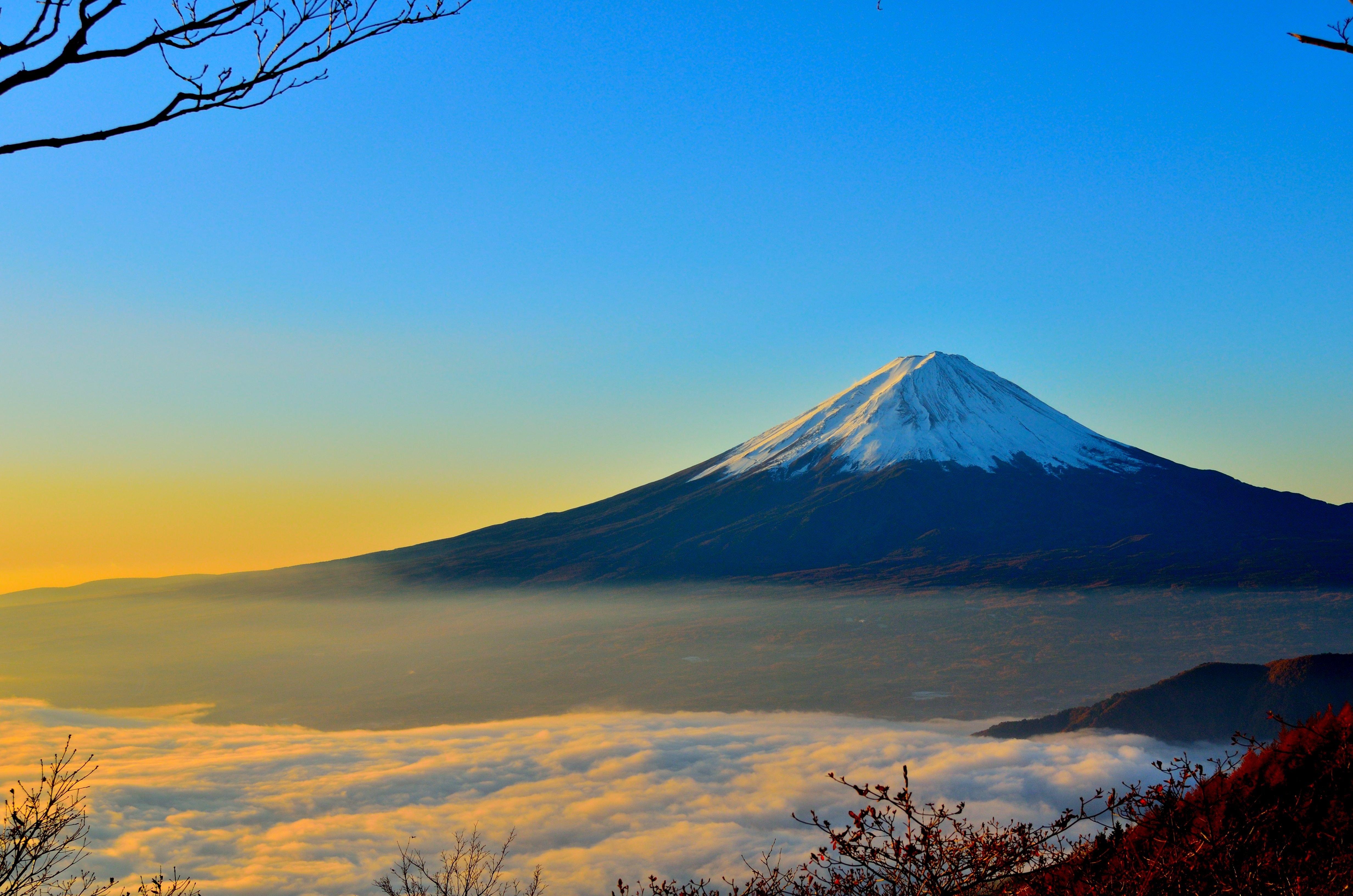 clouds-dawn-dusk-46253.jpg