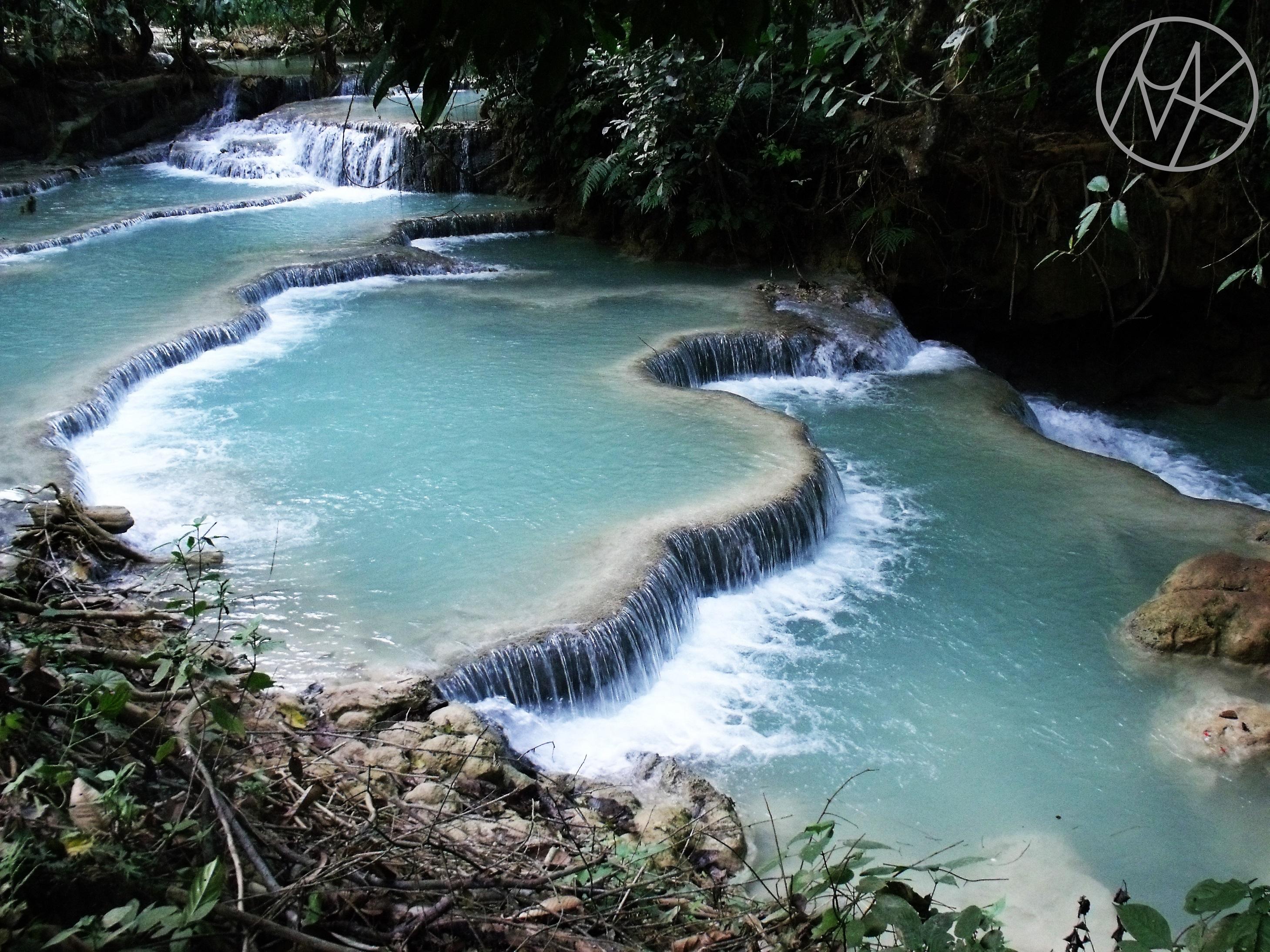 kuangsi_waterfall_laos_laosz.JPG