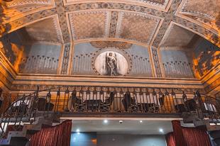 Titkok, rejtélyek és luxus a szabadkőművesek egykori központjában Budapesten