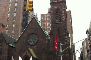 Őrült partik és trendi cuccok a New York-i gótikus templomban