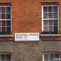 Kitekintő: ilyenek a londoni utcanévtáblák