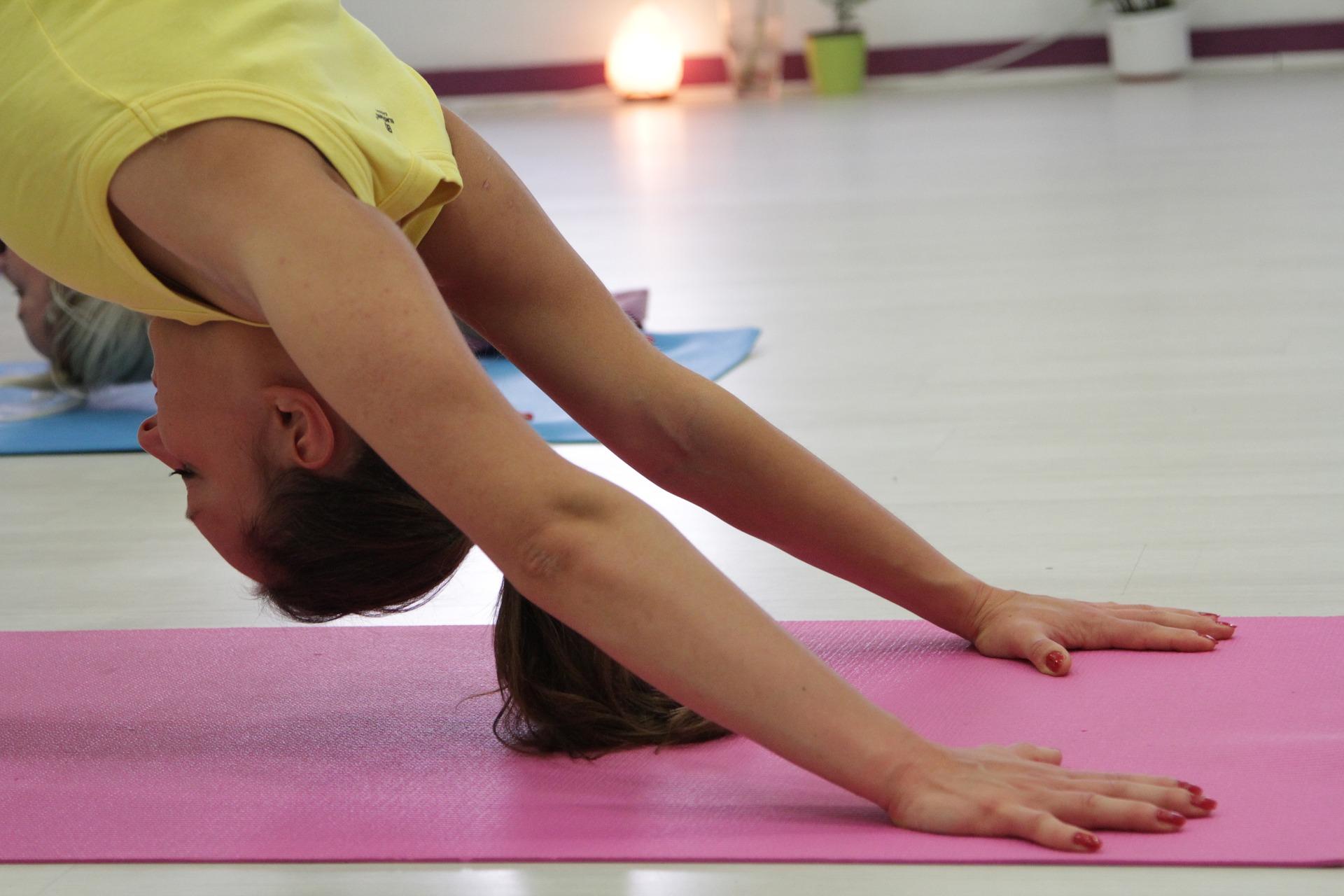 yoga-2683522_1920.jpg