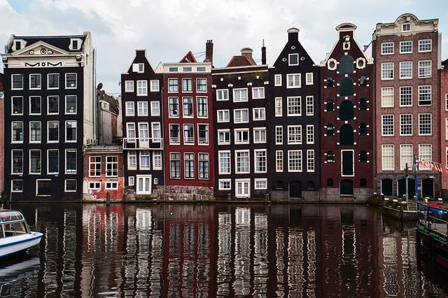 amsterdam-1682963_640.jpg