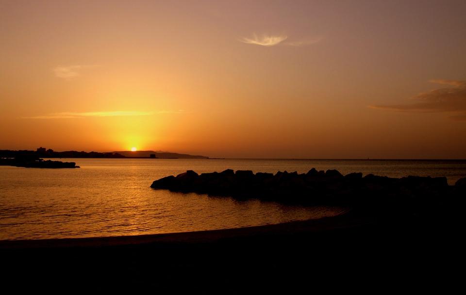 sunset-485212_960_720.jpg