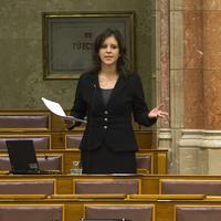 Nők és férfiak Magyarországon - melyik párt áll hozzád a legközelebb?