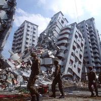 Földrengéseket és vulkánkitöréseket okozhatunk - mondta az USA védelmi minisztere