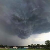 Félelmetes felhő Ukrajna egén
