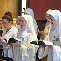 A Vatikán egy újabb közösséget pusztít el: Az apácák 90%-a elmegy