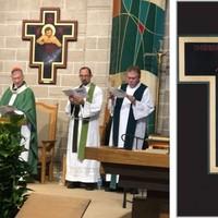 Őrült egyház: Cupich bíboros megvédi a meleg feszületet