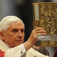 A hamispróféta a II. János Pál és XVI. Benedek által egységesített új misefordítások decentralizálását tervezi.