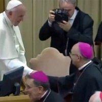 Püspök: A cölibátus eltörlésével a liberálisok prelátusok kudarcait akarják elrejteni