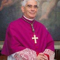 Hamispróféta püspöke furcsa érvet hoz a feszület mellett