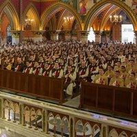 Hamispróféta elkészíti a következő katolikus közösséget a hentesnek