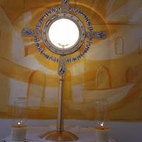 Már egy 1 éves a Szent Angyalok Plébániatemplomban lévő Szent Pió kápolnában örökimádás