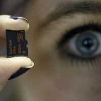 Sandisk termékfejlesztés - 200 gigabájt egy kisujjkörömnyi műanyagon
