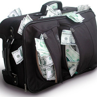 Vegyen nagyobb koffert, mert a régi nem fogja bírni - A Magyar Posta üzletfejlesztése révén pénz áll a házhoz